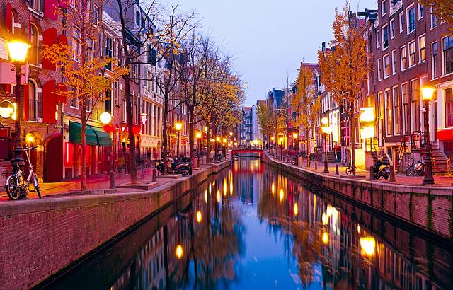 Голландия амстердам групповой секс