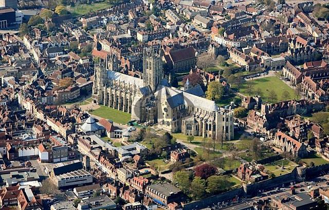 Может собрались в Англию на пмж? Какие районы в Англии самые густонаселенные?